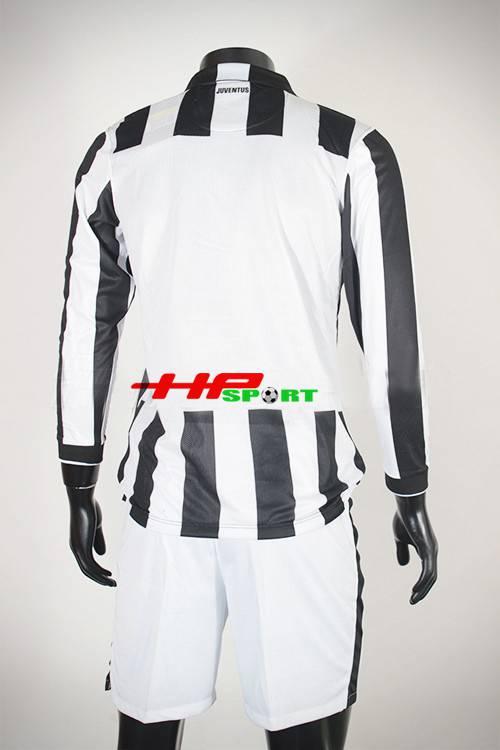 mặt sau Bộ quần Áo Juventus 2014-2015 sân nhà tay dài