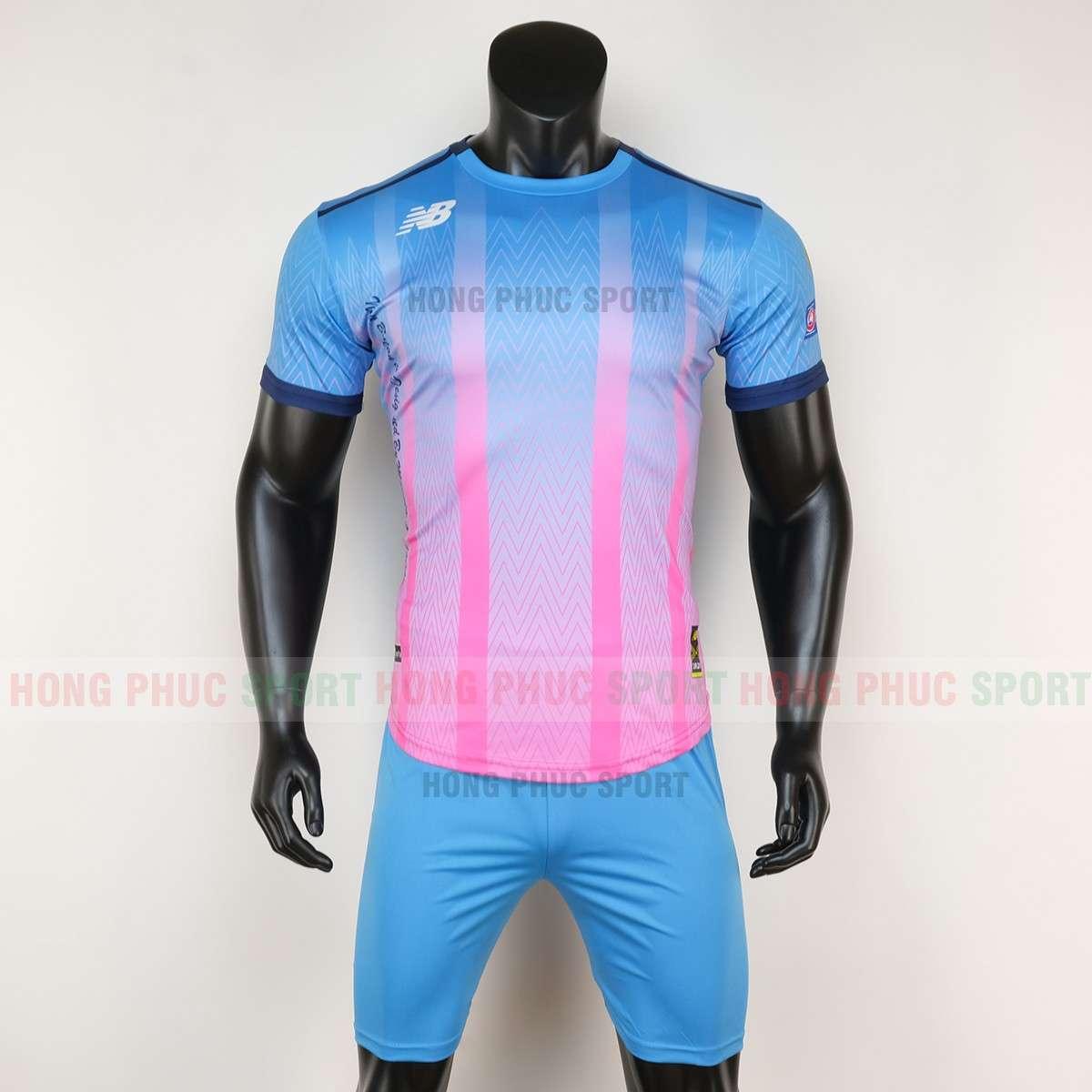 Mẫu áo bóng đá không logo Newbalance 2020 màu xanh hồng tự thiết kế