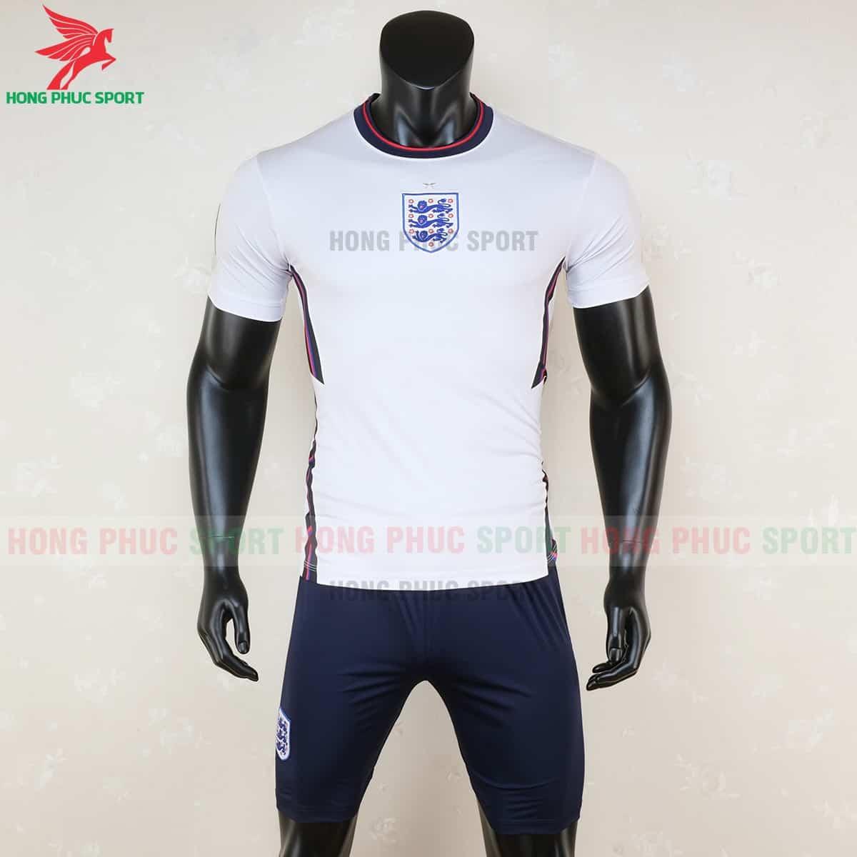 Áo bóng đá tuyển Anh Euro 2020 có logo ở giữa ngực