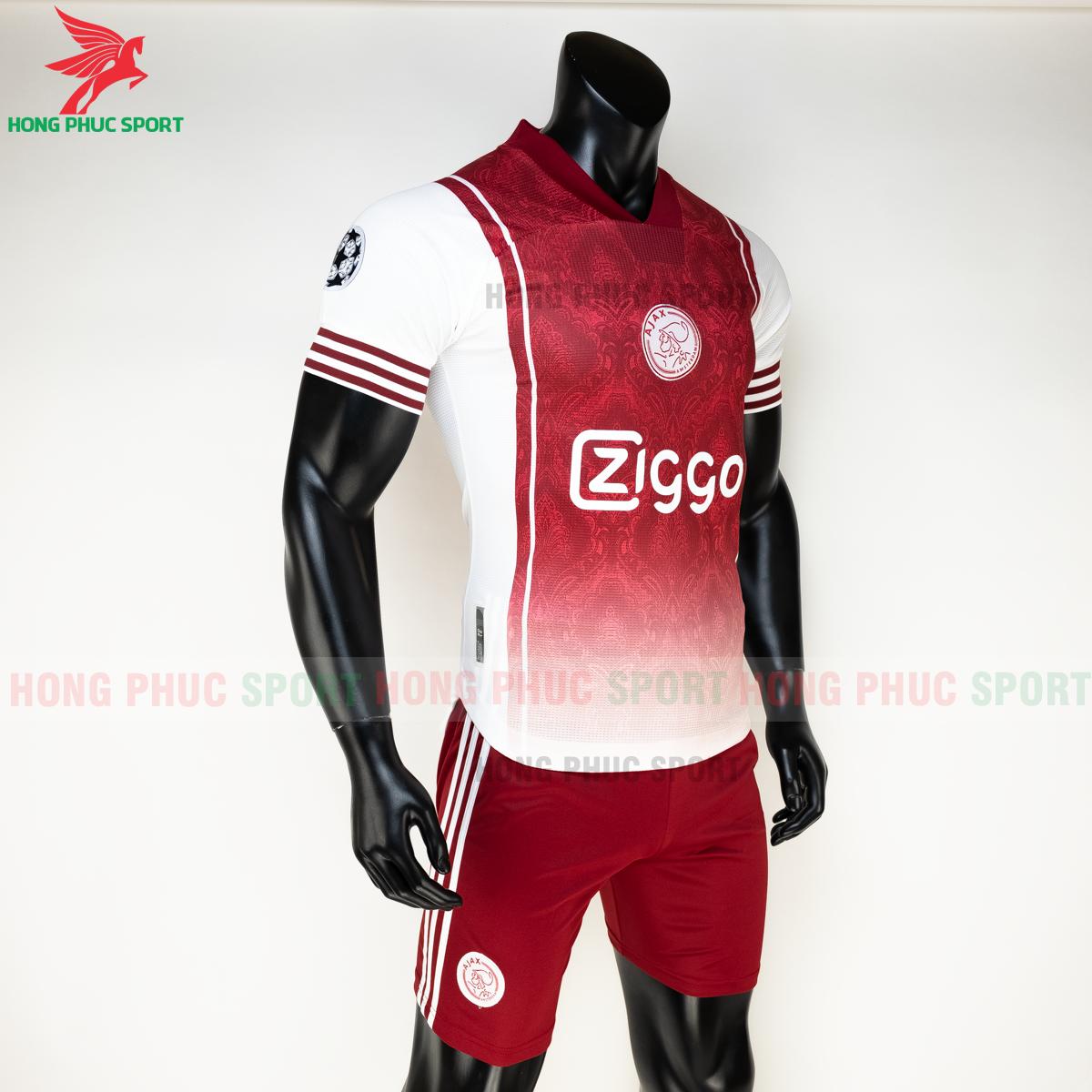 Áo đấu Ajax Amsterdam2020 phiên bản fan hàng Thailand (phải)