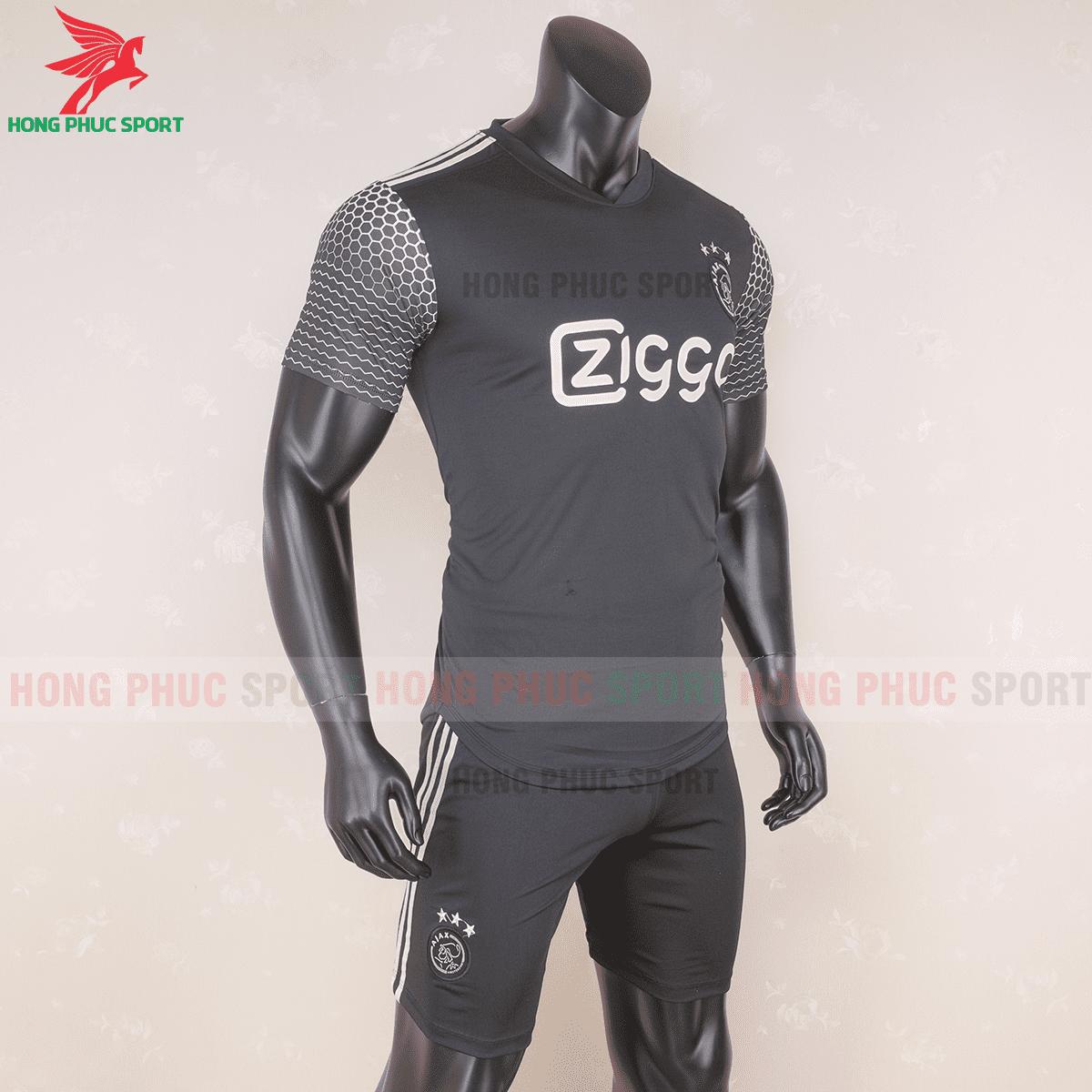Áo đấu Ajax Amsterdam 2020 2021 mẫu thứ 3(phải)