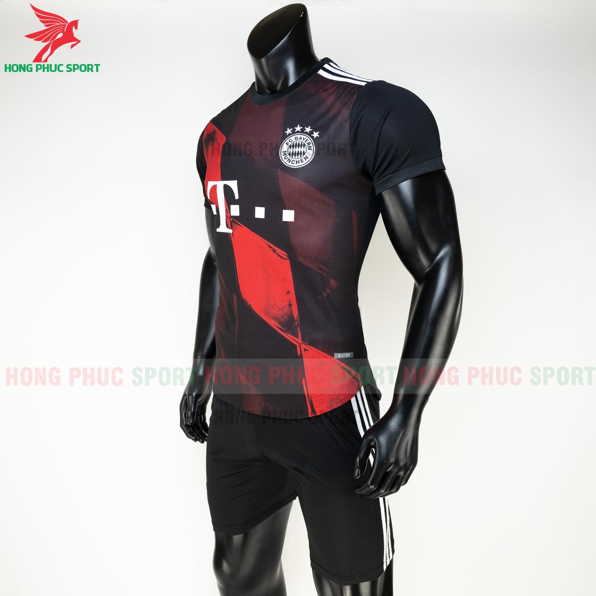 Áo đấu Bayern Munich 2020 mẫu thứ 3 hàng Thailand (trái)
