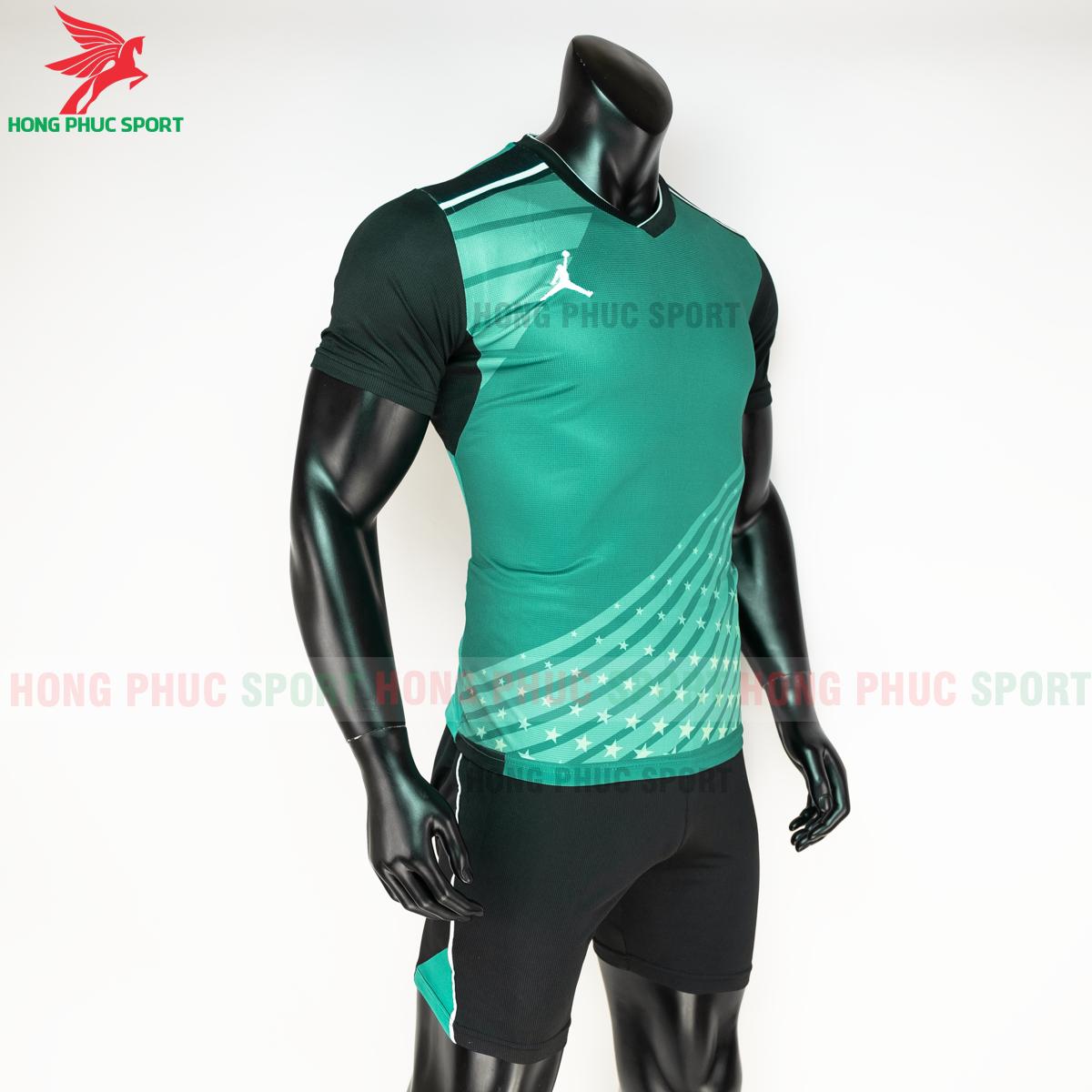 Quần áo bóng chuyền Jordan 2020 mẫu 3 (phải)