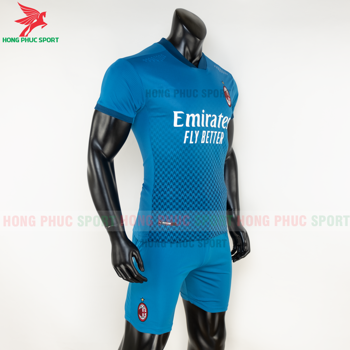Áo bóng đá AC Milan 2020 2021 mẫu thứ 3 (phải)