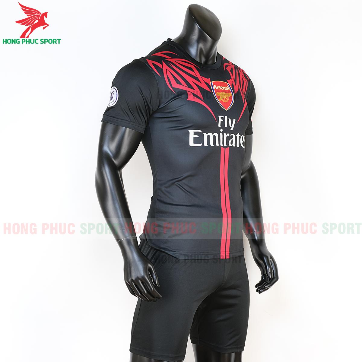 áo đấu Arsenal phiên bản Fan mẫu 7 (phải)