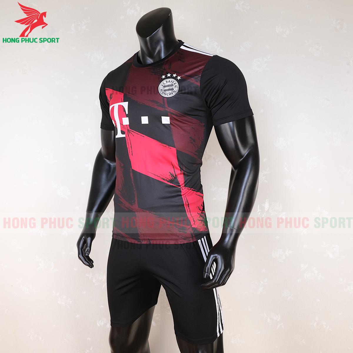 Áo đấu Bayern Munich 2020 mẫu thứ 3 (trái)