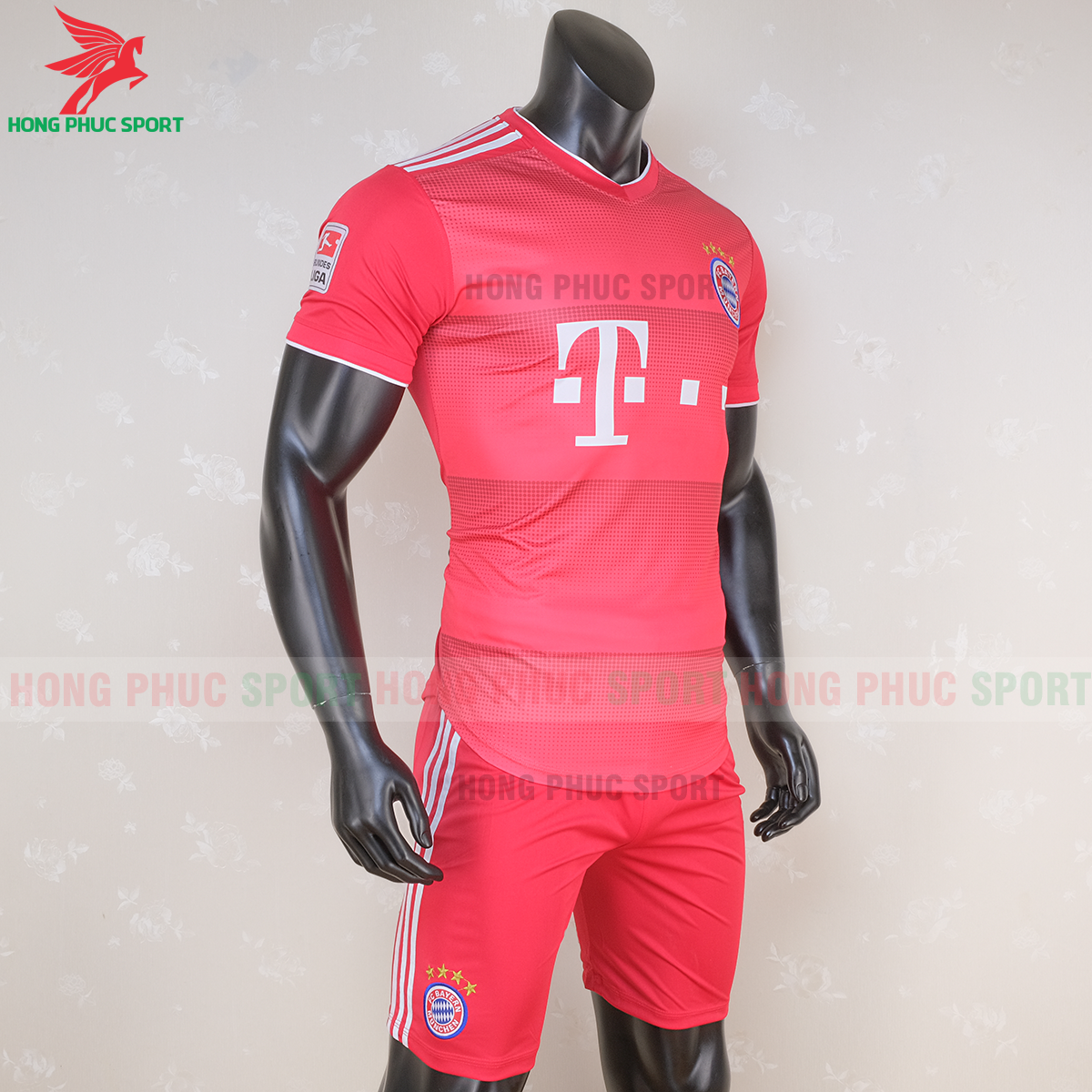 Áo đấu Bayern Munich 2020 phiên bản Fan 1 (phải)