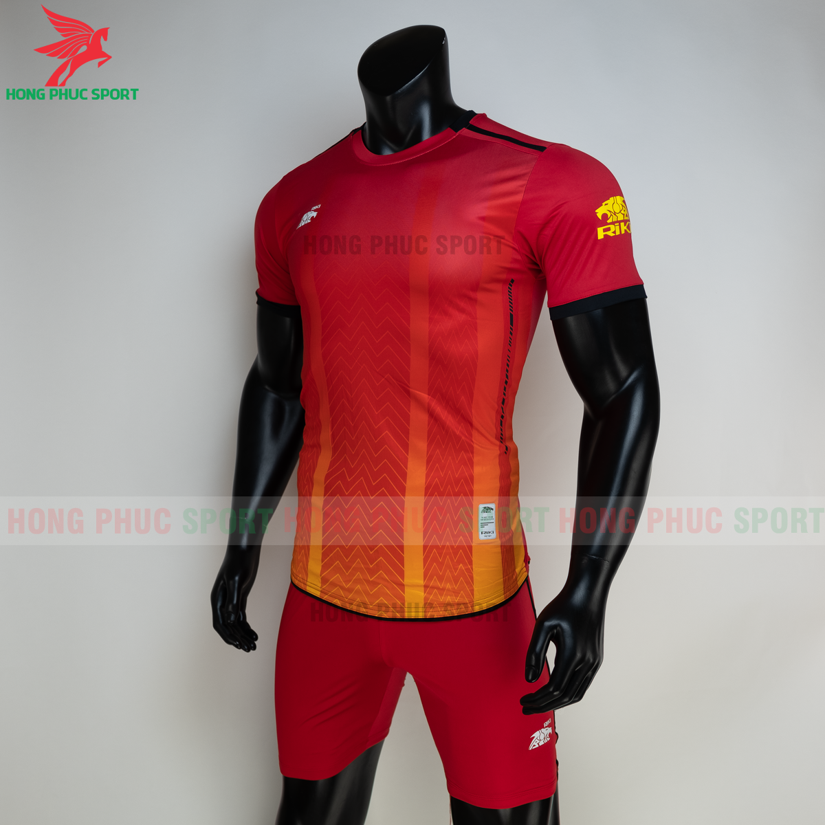 Áo đá banh không logo RIKI FURIOR 2021 màu đỏ (trái)