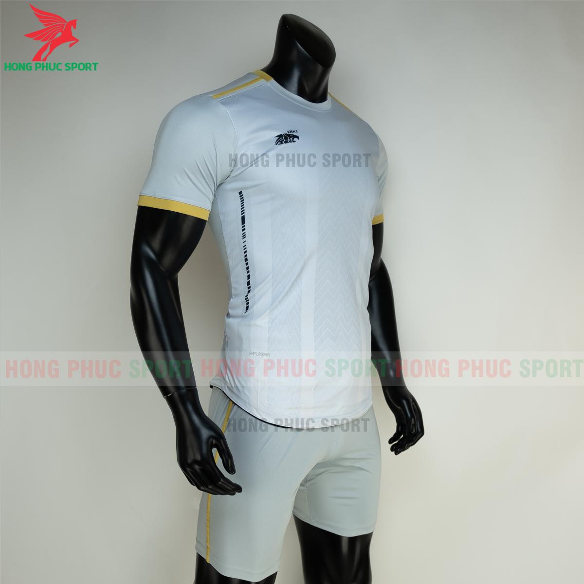 Áo đá banh không logo RIKI FURIOR 2021 màu trắng (phải)