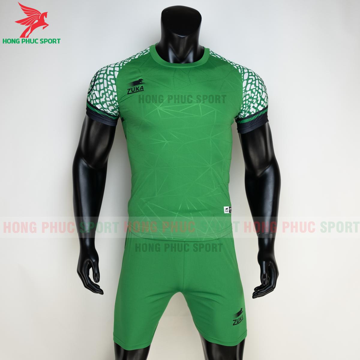 Áo đá banh không logo ZUKA 022021 màu Xanh lá (trước)