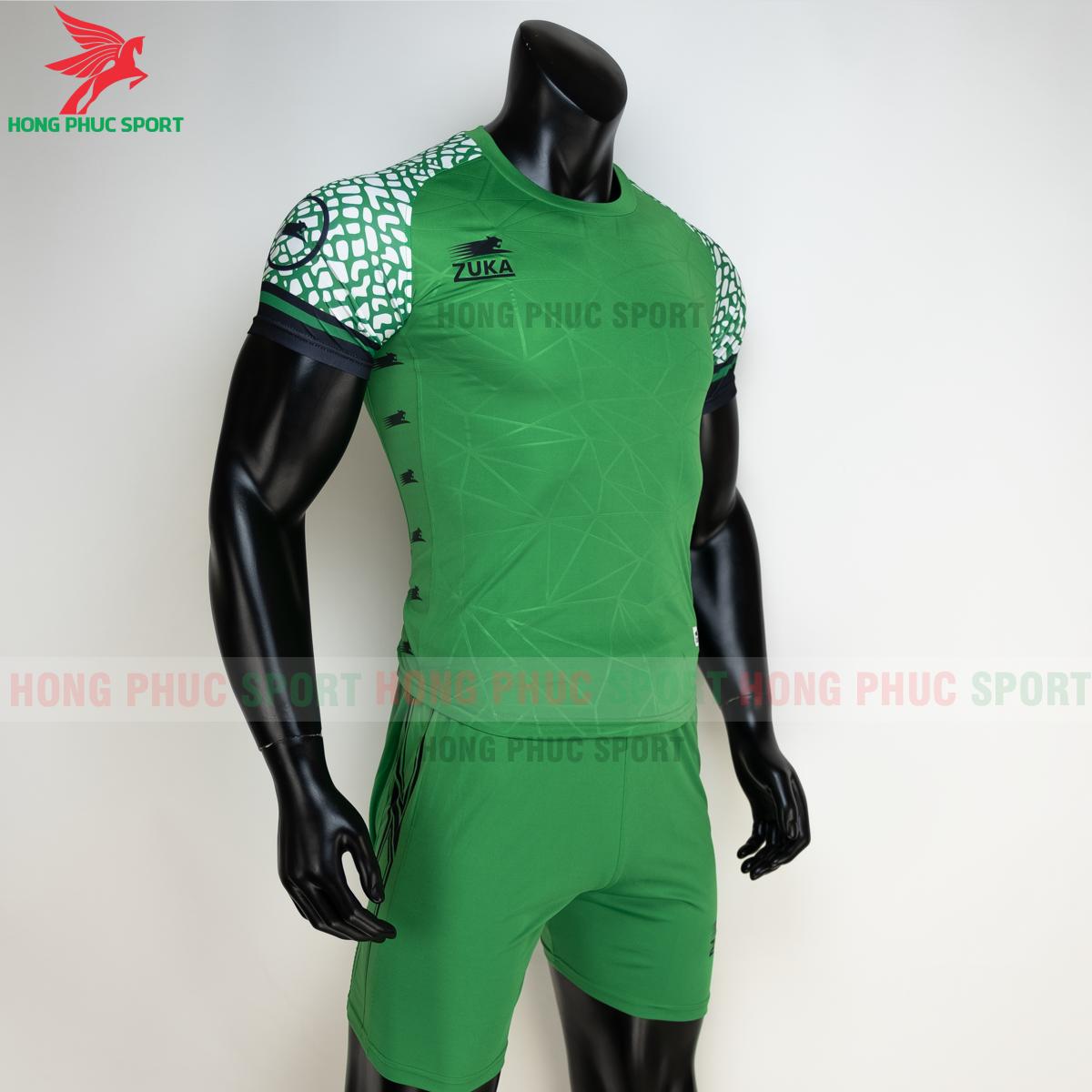 Áo đá banh không logo ZUKA 022021 màu Xanh lá (phải)