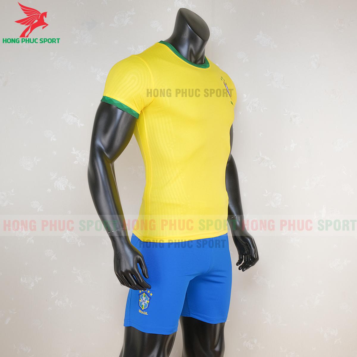 Áo bóng đá tuyển Brazil 2020 2021 sân nhà (phải)