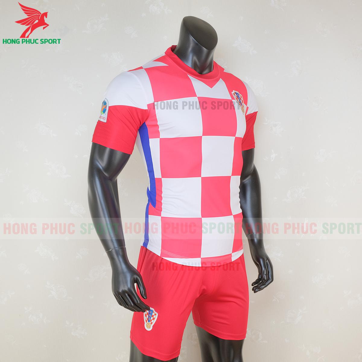 Áo đấu tuyển Croatia 2020 sân nhà 2 (phải)