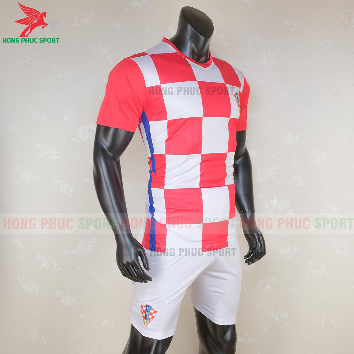 Áo đấu tuyển Croatia 2020 sân nhà 1 (phải)