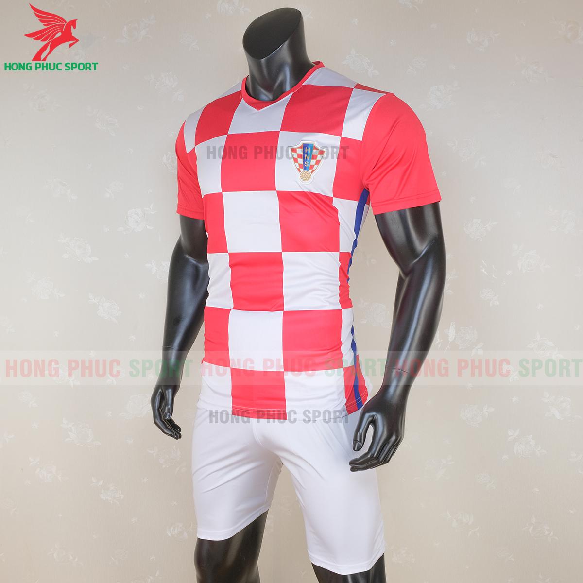 Áo đấu tuyển Croatia 2020 sân nhà 1 (trái)