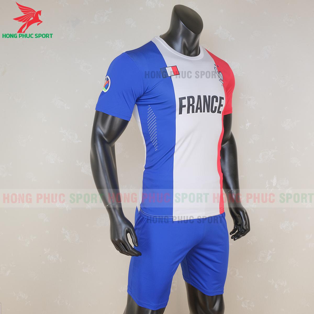 Áo đấu tuyển Pháp 2020 phiên bản Fan 2 (phải)