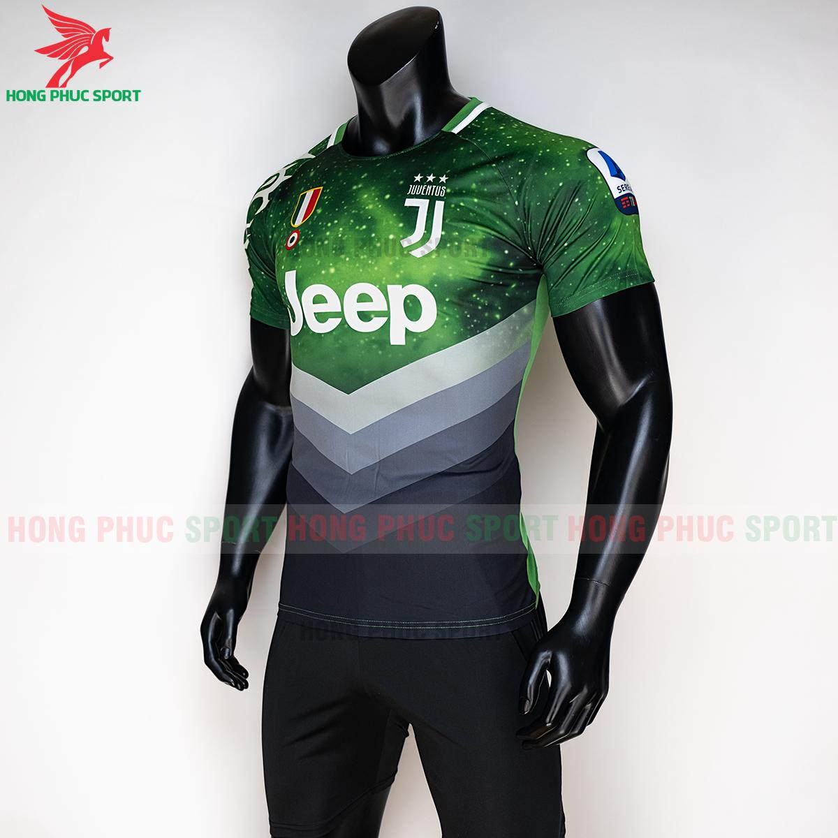 Áo đấu Juventus 2020 phiên bản Fan 1 (trái)