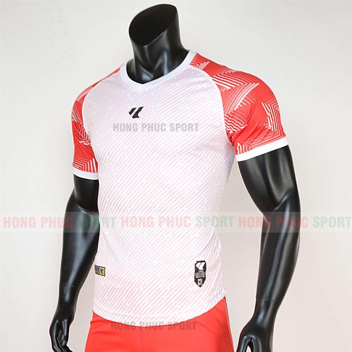 https://cdn.hongphucsport.com/unsafe/cdn.hongphucsport.com/dothethao.net.vn/wp-content/uploads/2020/02/ao-bong-da-khong-logo-lidas-wariors-trang-cam-4.jpg