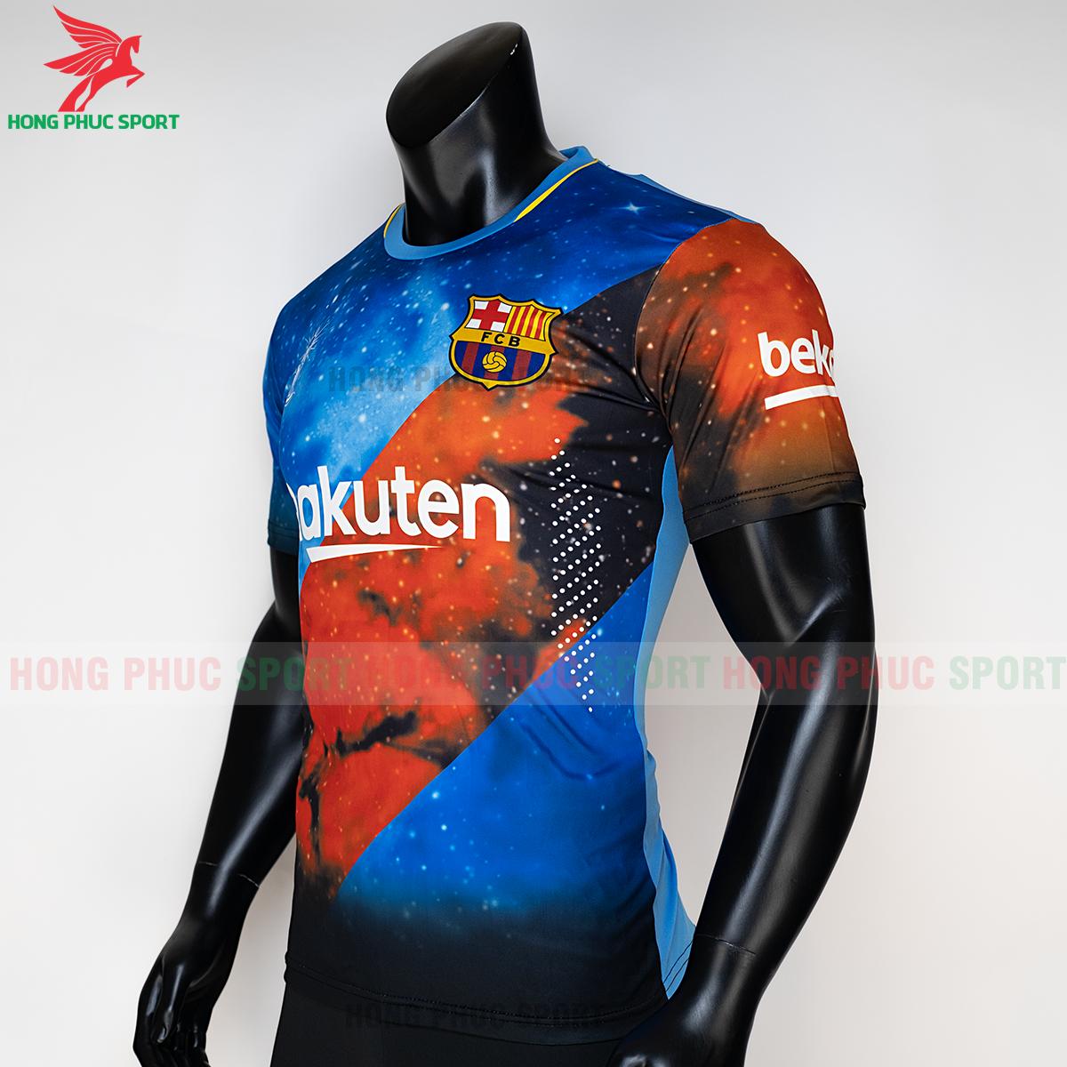 https://cdn.hongphucsport.com/unsafe/s4.shopbay.vn/files/285/ao-barcelona-2020-phien-ban-fan-4-5f7307aaefef4.png