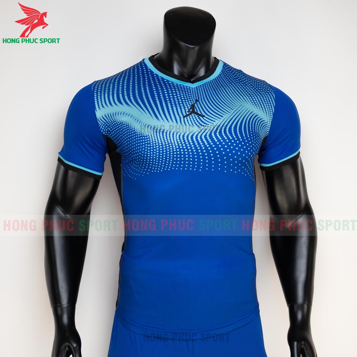 https://cdn.hongphucsport.com/unsafe/s4.shopbay.vn/files/285/ao-bong-chuyen-khong-logo-jordan-wave-mau-xanh-duong-2-605021bf7e31f.png