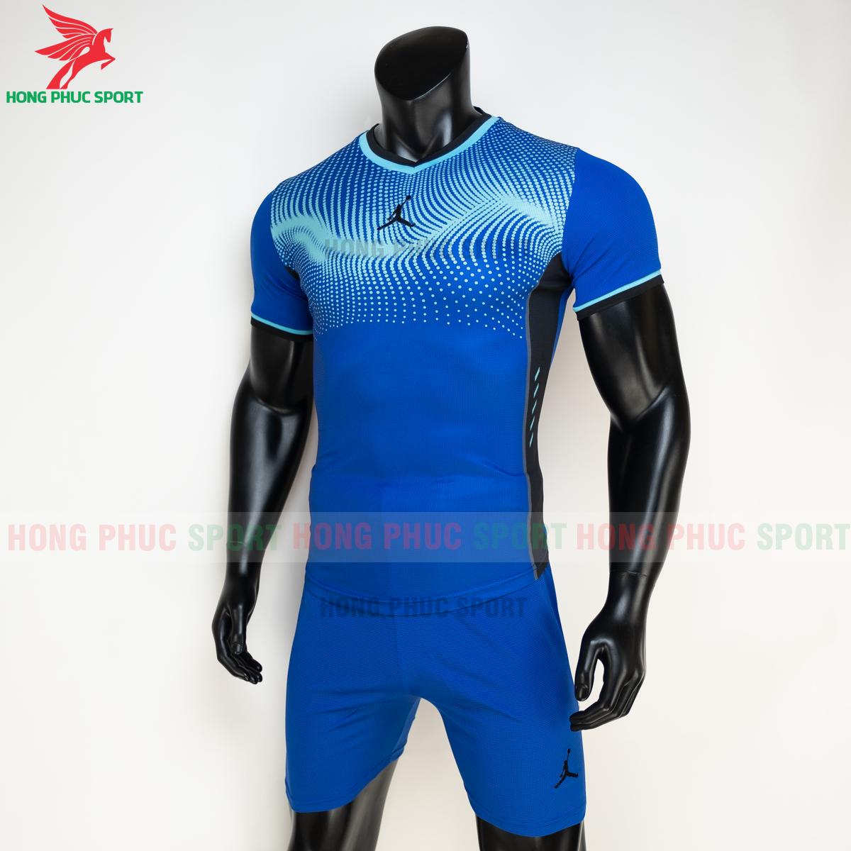 https://cdn.hongphucsport.com/unsafe/s4.shopbay.vn/files/285/ao-bong-chuyen-khong-logo-jordan-wave-mau-xanh-duong-4-605021c2b626c.png