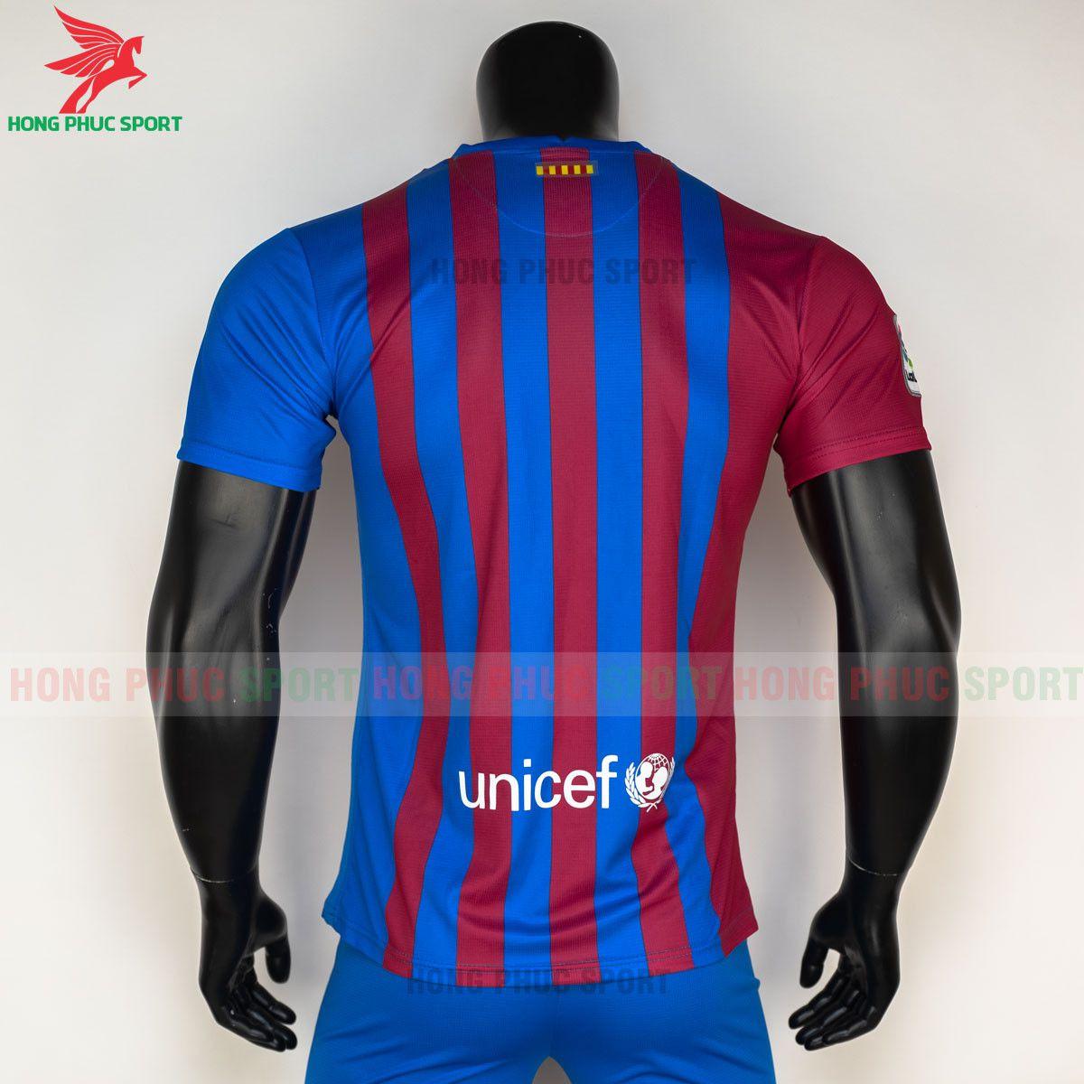 https://cdn.hongphucsport.com/unsafe/s4.shopbay.vn/files/285/ao-bong-da-barcelona-2021-2022-san-nha-hang-thai-7-60d2fcf2732e6.jpg