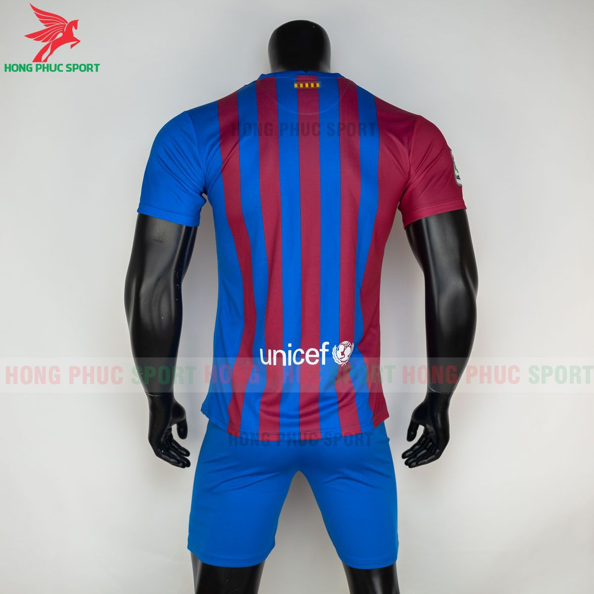 https://cdn.hongphucsport.com/unsafe/s4.shopbay.vn/files/285/ao-bong-da-barcelona-2021-2022-san-nha-hang-thai-8-60d2fcf285825.jpg