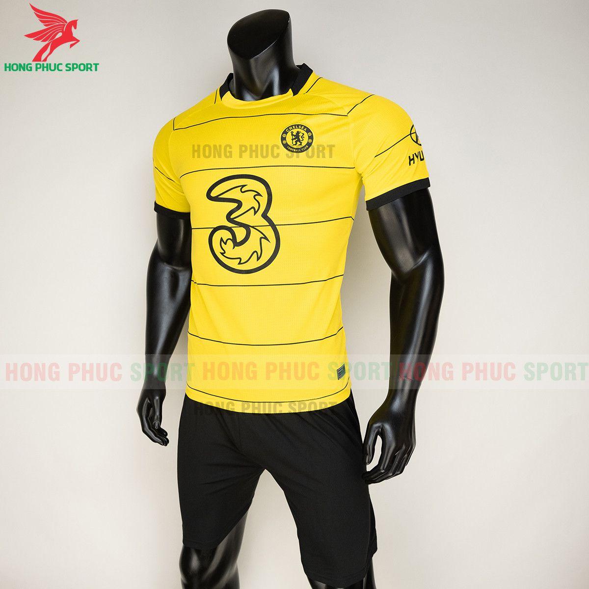 https://cdn.hongphucsport.com/unsafe/s4.shopbay.vn/files/285/ao-bong-da-chelsea-2021-22-san-khach-thailand-4-6155960d0884f.jpg