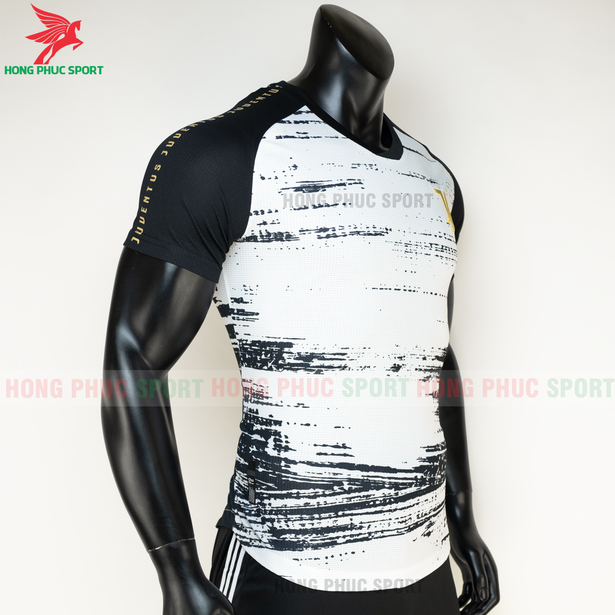 https://cdn.hongphucsport.com/unsafe/s4.shopbay.vn/files/285/ao-bong-da-juventus-20-21-pre-match-hang-thailand-5-5faf4ce512670.png