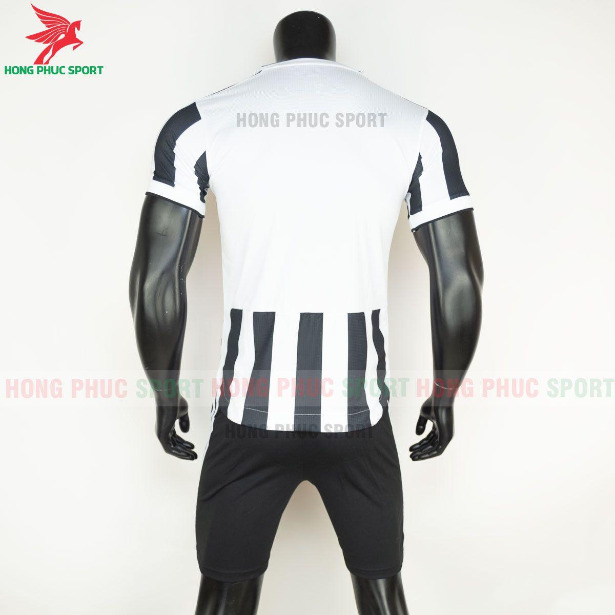 https://cdn.hongphucsport.com/unsafe/s4.shopbay.vn/files/285/ao-bong-da-juventus-2021-2022-san-nha-hang-thai-8-60d3096143189.jpg