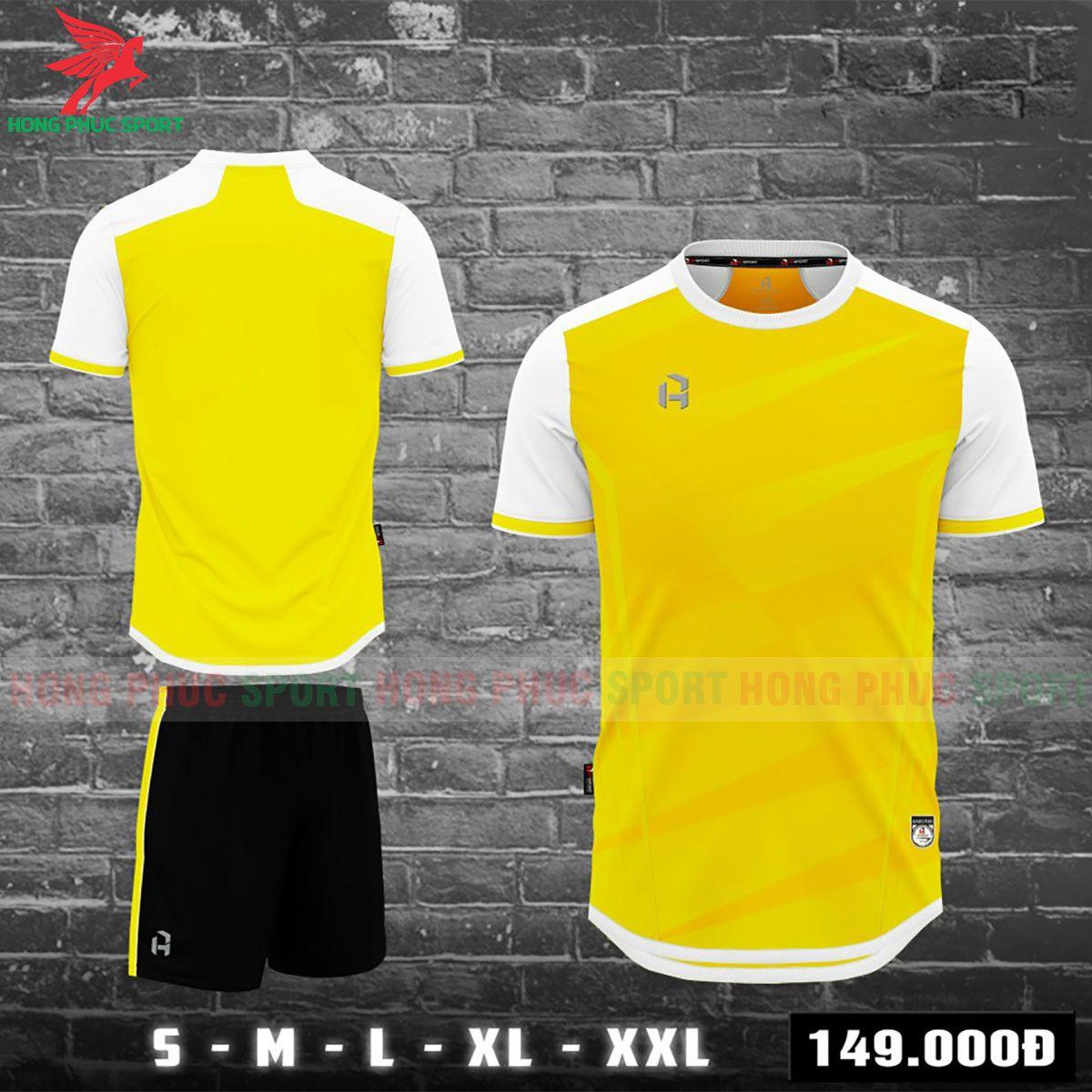 https://cdn.hongphucsport.com/unsafe/s4.shopbay.vn/files/285/ao-bong-da-khong-logo-hp-sport-2021-bebotux-vang-60f530ff44d0c.jpg