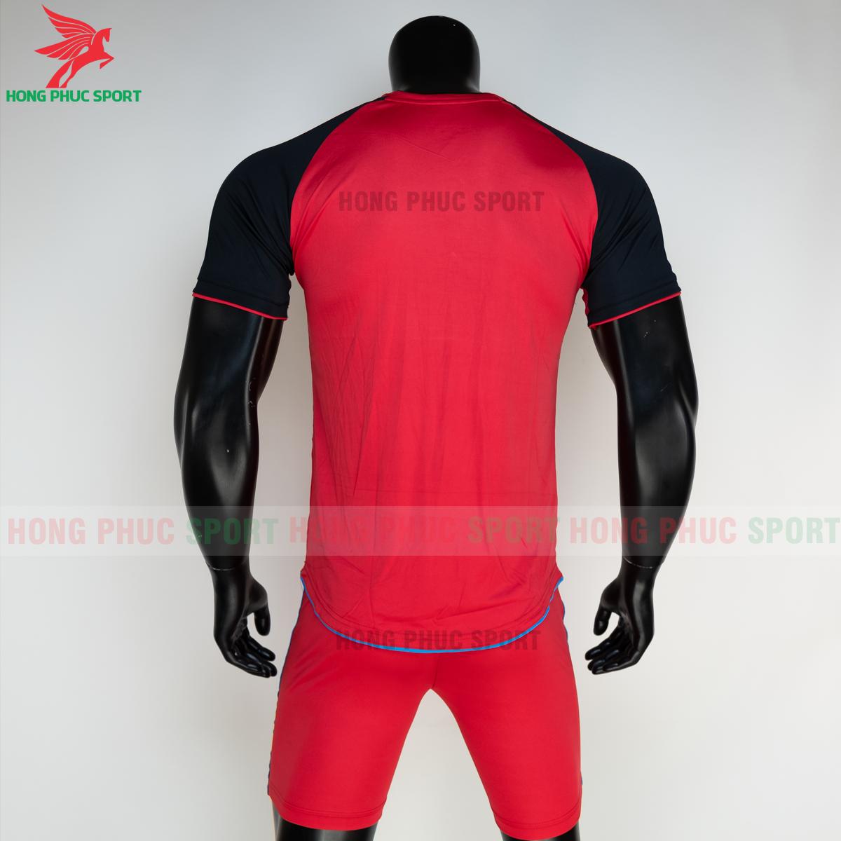 https://cdn.hongphucsport.com/unsafe/s4.shopbay.vn/files/285/ao-bong-da-khong-logo-riki-grambor-mau-do-8-6050605c689e1.png
