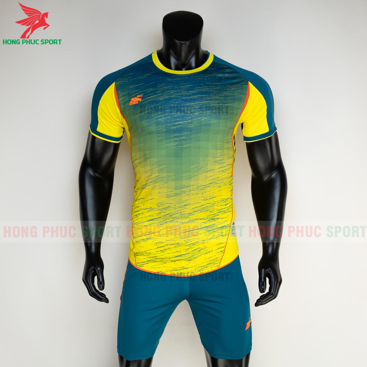 https://cdn.hongphucsport.com/unsafe/s4.shopbay.vn/files/285/ao-bong-da-khong-logo-riki-grambor-mau-vang-2-6050615d7dfef.png
