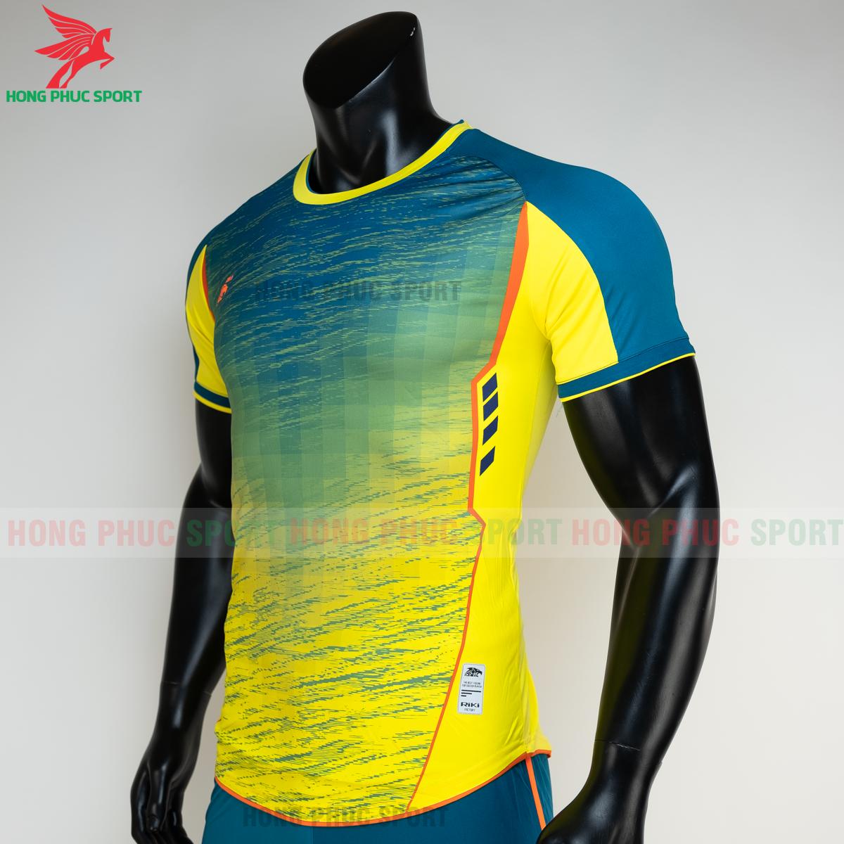 https://cdn.hongphucsport.com/unsafe/s4.shopbay.vn/files/285/ao-bong-da-khong-logo-riki-grambor-mau-vang-3-6050615edd8a1.png