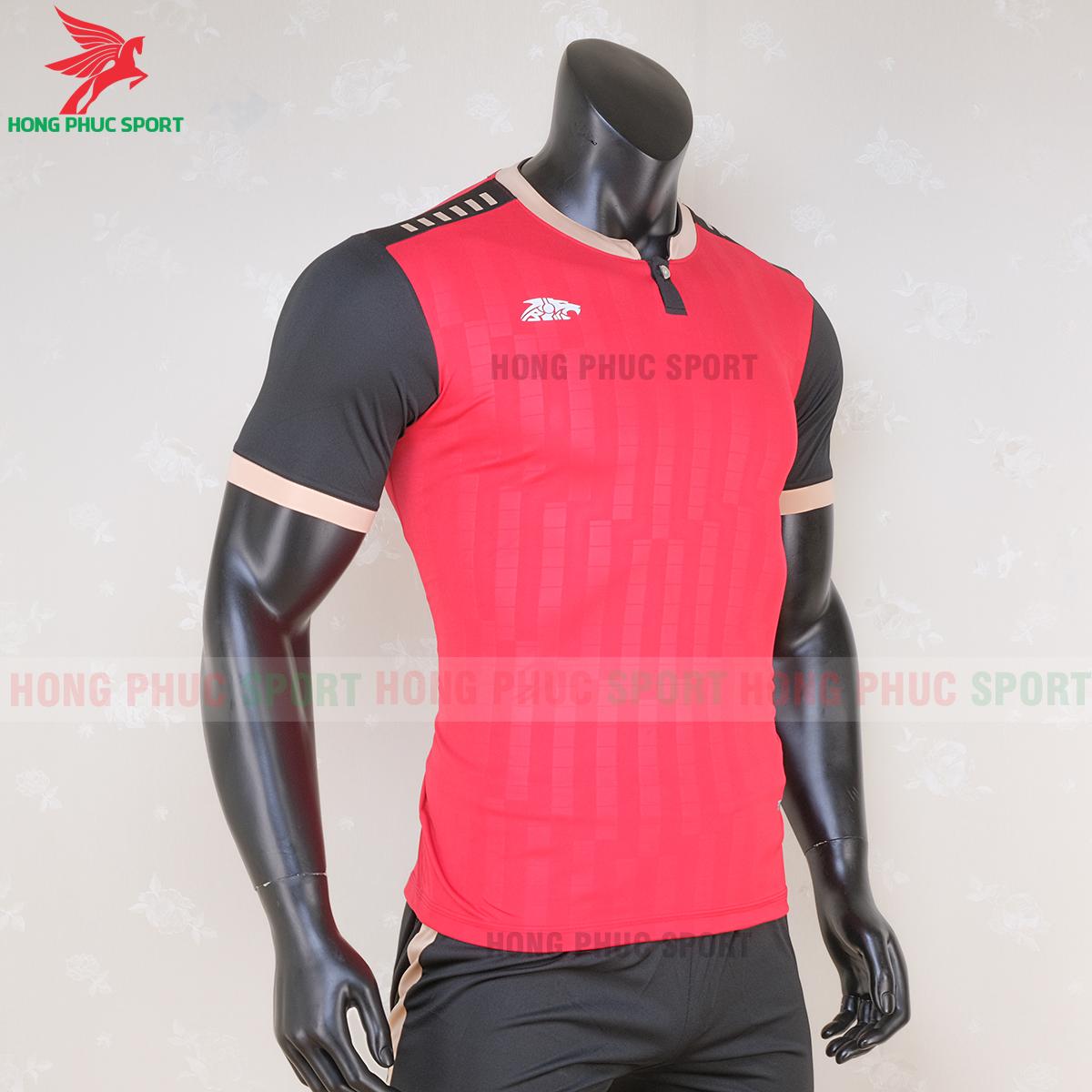 https://cdn.hongphucsport.com/unsafe/s4.shopbay.vn/files/285/ao-bong-da-khong-logo-riki-neck-mau-do-2-5f71ac2f7a037.png