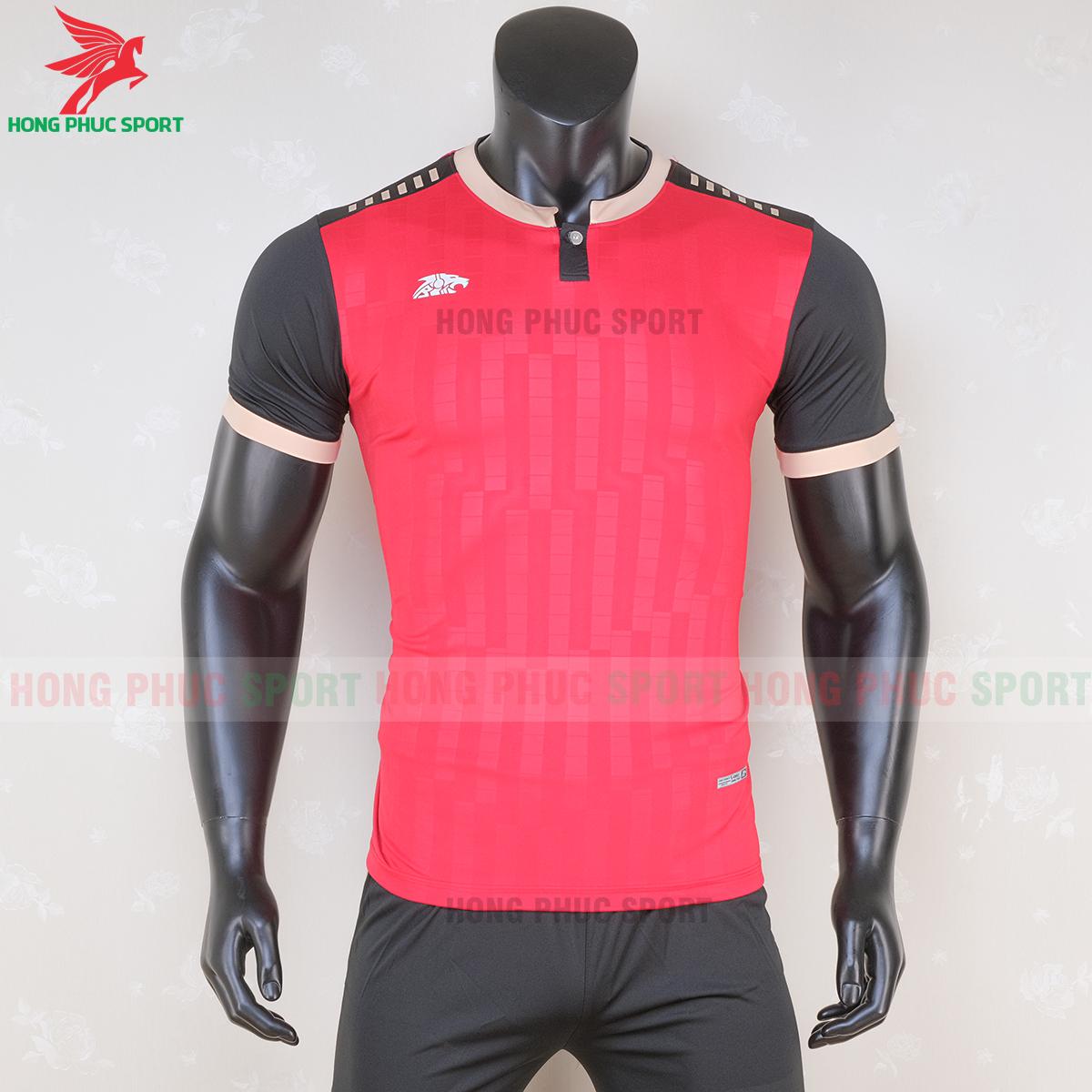 https://cdn.hongphucsport.com/unsafe/s4.shopbay.vn/files/285/ao-bong-da-khong-logo-riki-neck-mau-do-5-5f71ac206ec74.png