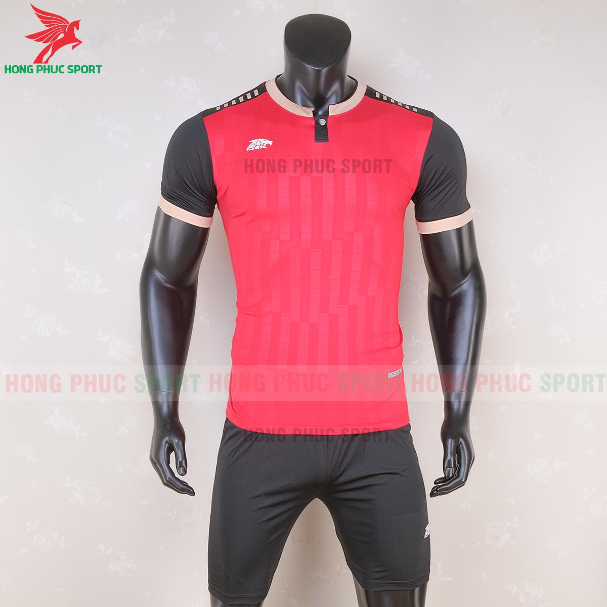 https://cdn.hongphucsport.com/unsafe/s4.shopbay.vn/files/285/ao-bong-da-khong-logo-riki-neck-mau-do-6-5f71ac1c760f4.png