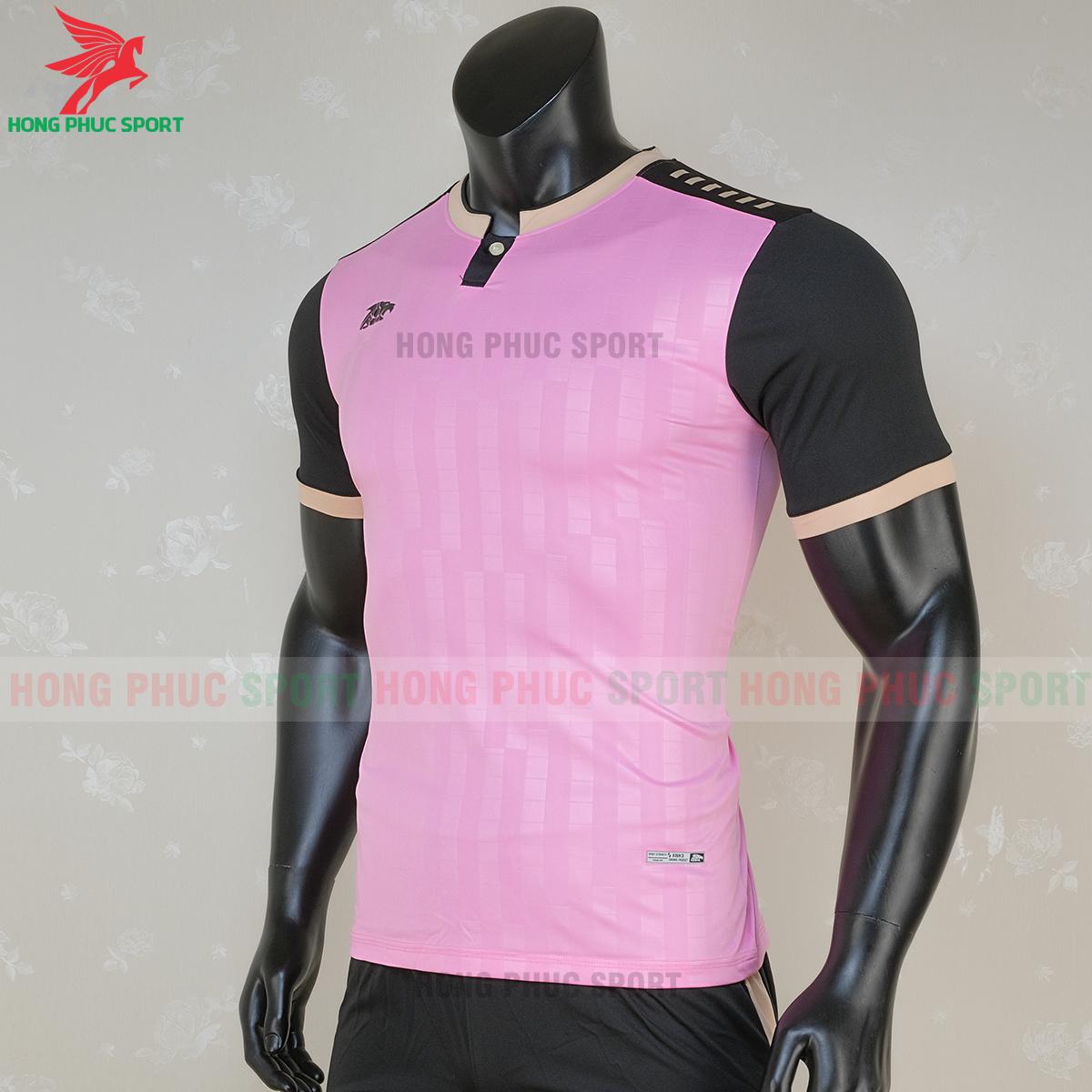 https://cdn.hongphucsport.com/unsafe/s4.shopbay.vn/files/285/ao-bong-da-khong-logo-riki-neck-mau-hong-2-5f71a101784e9.png