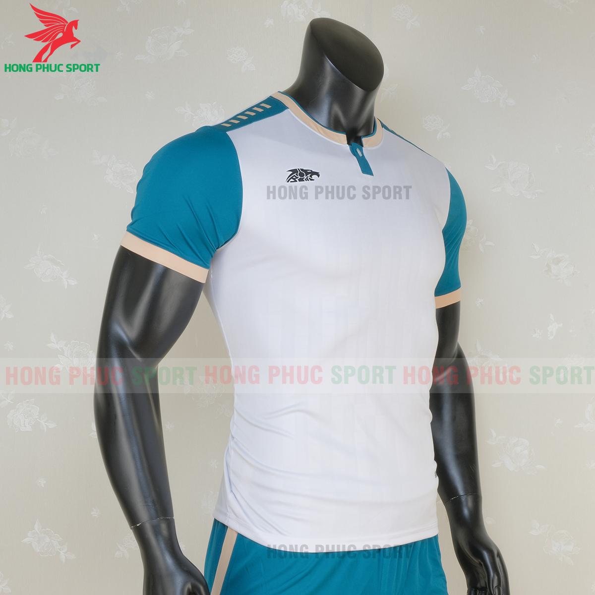 https://cdn.hongphucsport.com/unsafe/s4.shopbay.vn/files/285/ao-bong-da-khong-logo-riki-neck-mau-trang-1-5f71b11bdda8a.png