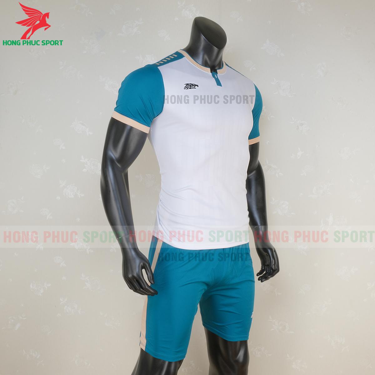 https://cdn.hongphucsport.com/unsafe/s4.shopbay.vn/files/285/ao-bong-da-khong-logo-riki-neck-mau-trang-5f71b117b8c26.png