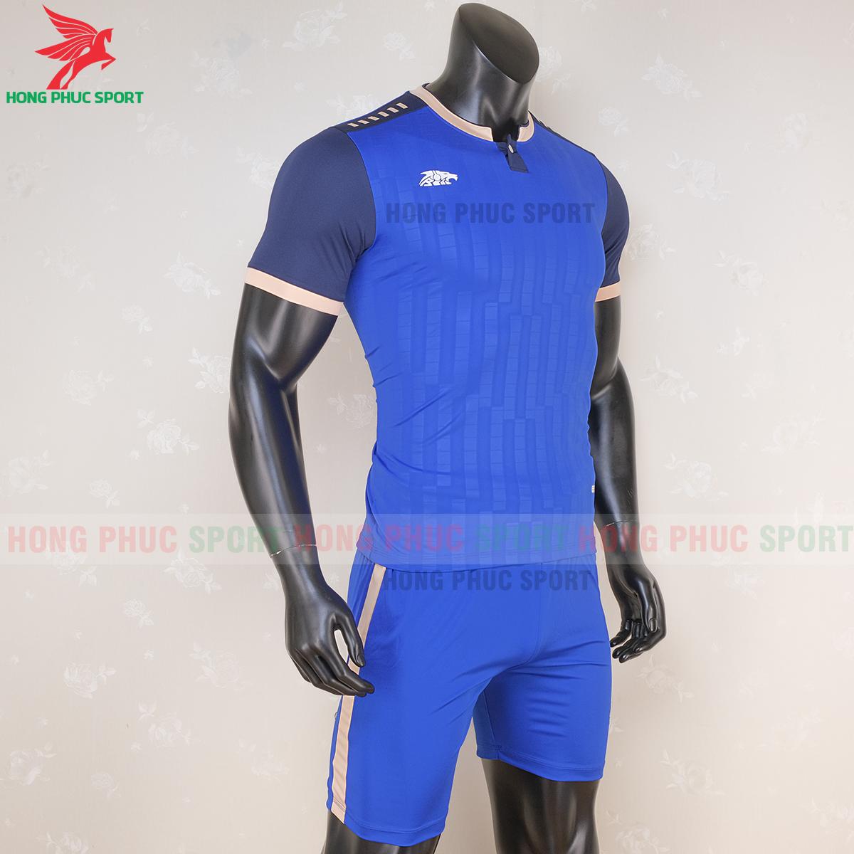 https://cdn.hongphucsport.com/unsafe/s4.shopbay.vn/files/285/ao-bong-da-khong-logo-riki-neck-xanh-duong-1-5f71afd848b37.png