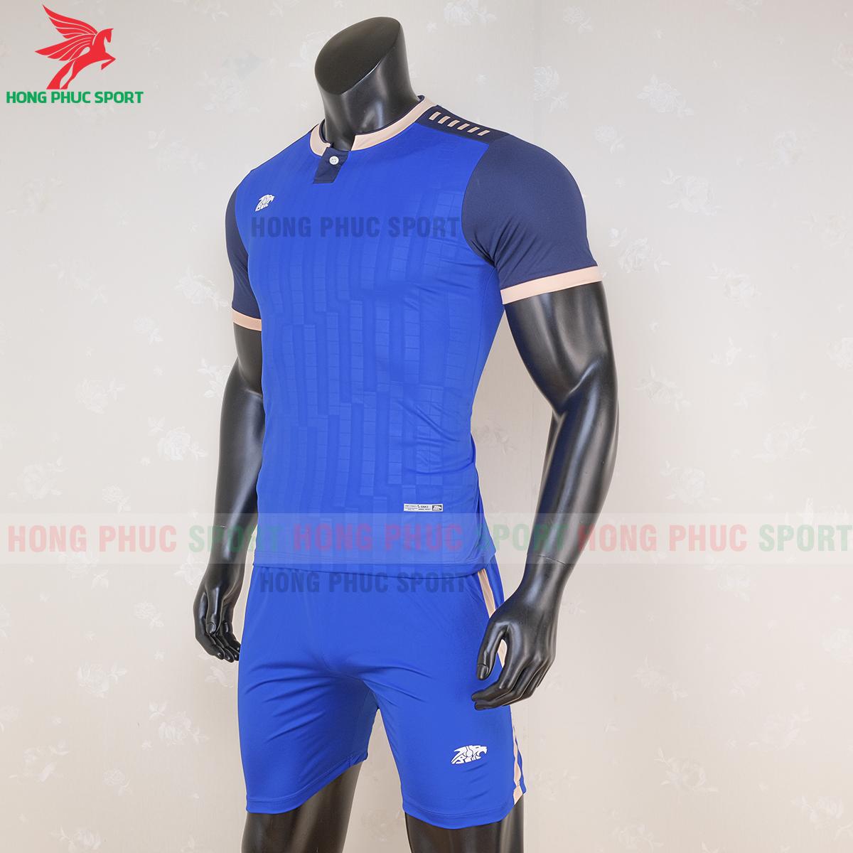 https://cdn.hongphucsport.com/unsafe/s4.shopbay.vn/files/285/ao-bong-da-khong-logo-riki-neck-xanh-duong-4-5f71afcedfd13.png