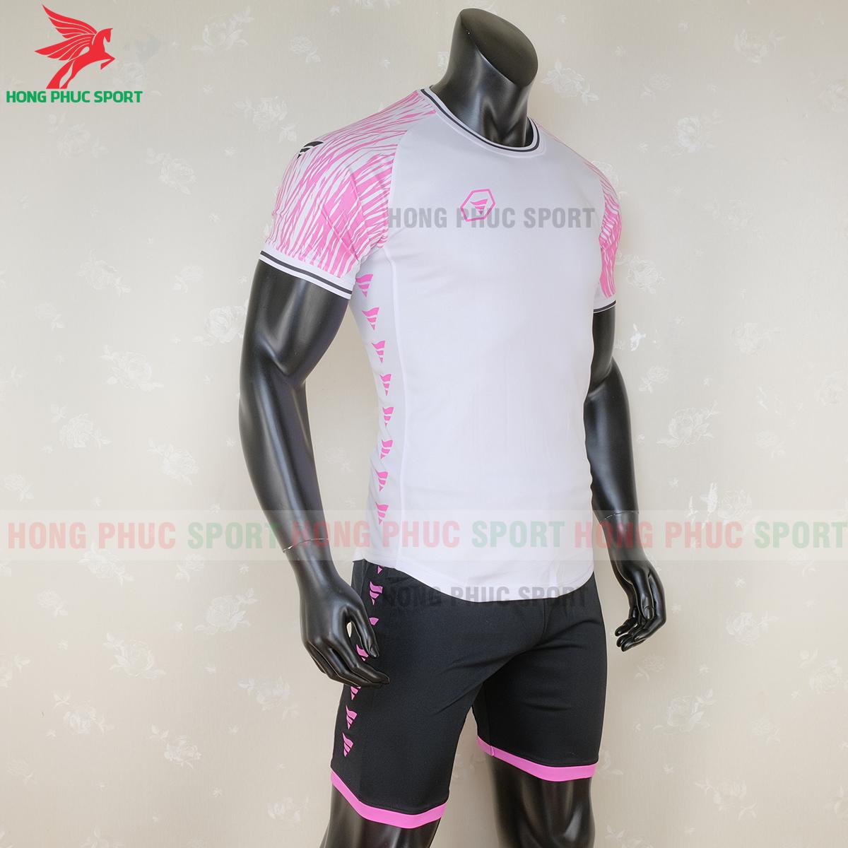 https://cdn.hongphucsport.com/unsafe/s4.shopbay.vn/files/285/ao-bong-da-khong-logo-ta-a06-mau-2-3-5f71c167dd592.png