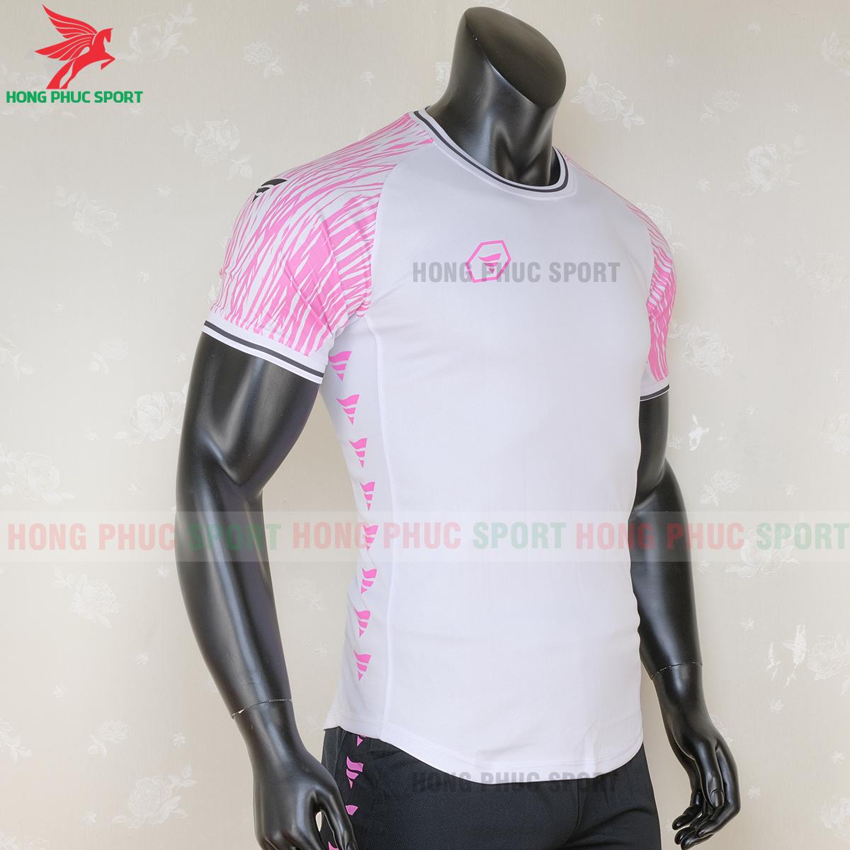 https://cdn.hongphucsport.com/unsafe/s4.shopbay.vn/files/285/ao-bong-da-khong-logo-ta-a06-mau-2-4-5f71c16a627c2.png