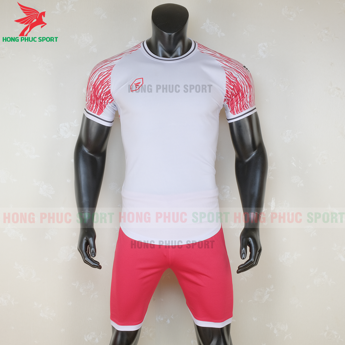 https://cdn.hongphucsport.com/unsafe/s4.shopbay.vn/files/285/ao-bong-da-khong-logo-ta-a06-mau-3-1-5f728cae9c0e7.png
