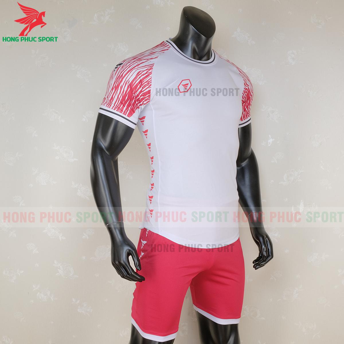 https://cdn.hongphucsport.com/unsafe/s4.shopbay.vn/files/285/ao-bong-da-khong-logo-ta-a06-mau-3-3-5f728cb882faf.png