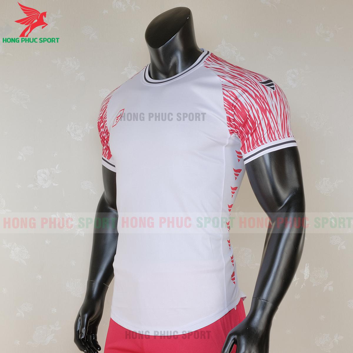 https://cdn.hongphucsport.com/unsafe/s4.shopbay.vn/files/285/ao-bong-da-khong-logo-ta-a06-mau-3-5-5f728cc3d48a4.png