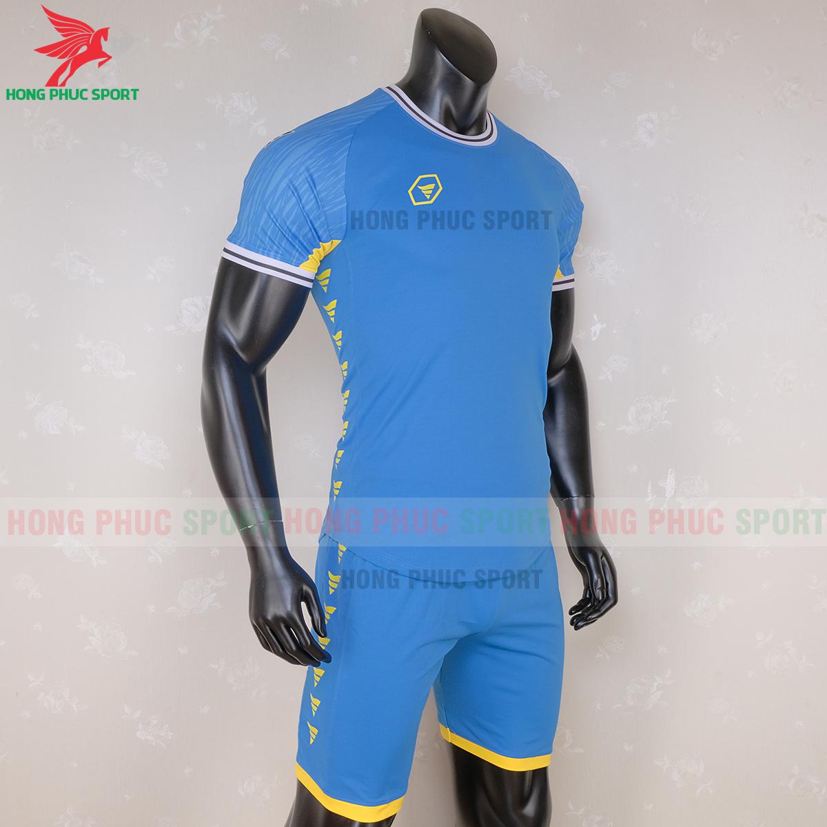 https://cdn.hongphucsport.com/unsafe/s4.shopbay.vn/files/285/ao-bong-da-khong-logo-ta-a06-mau-4-3-5f728e50ae425.png