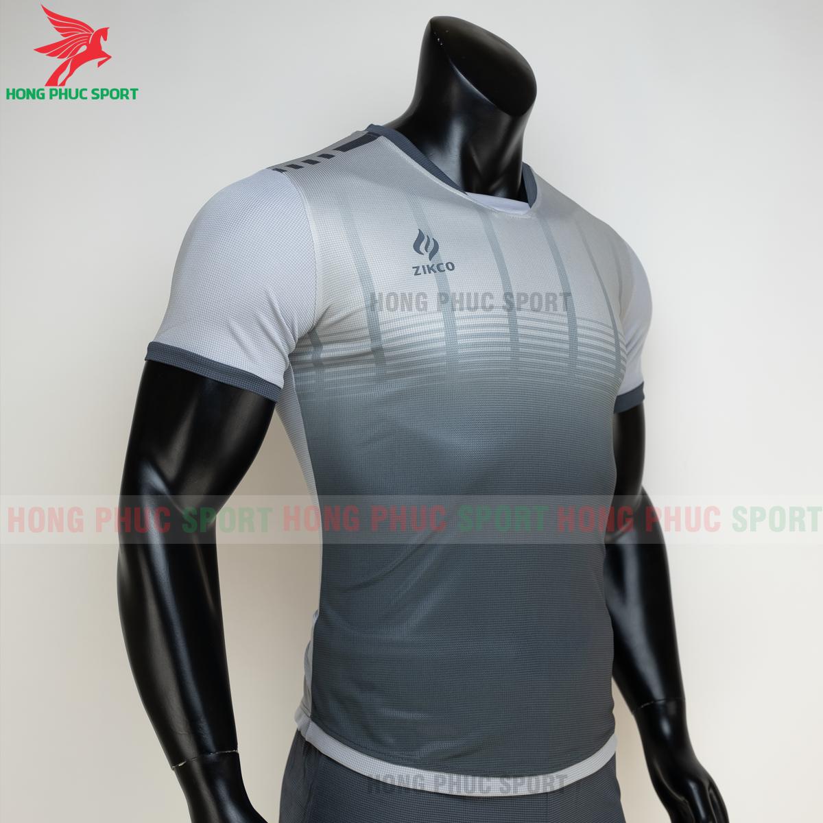 https://cdn.hongphucsport.com/unsafe/s4.shopbay.vn/files/285/ao-bong-da-khong-logo-zikco-z01-mau-den-5-605024efa662f.png