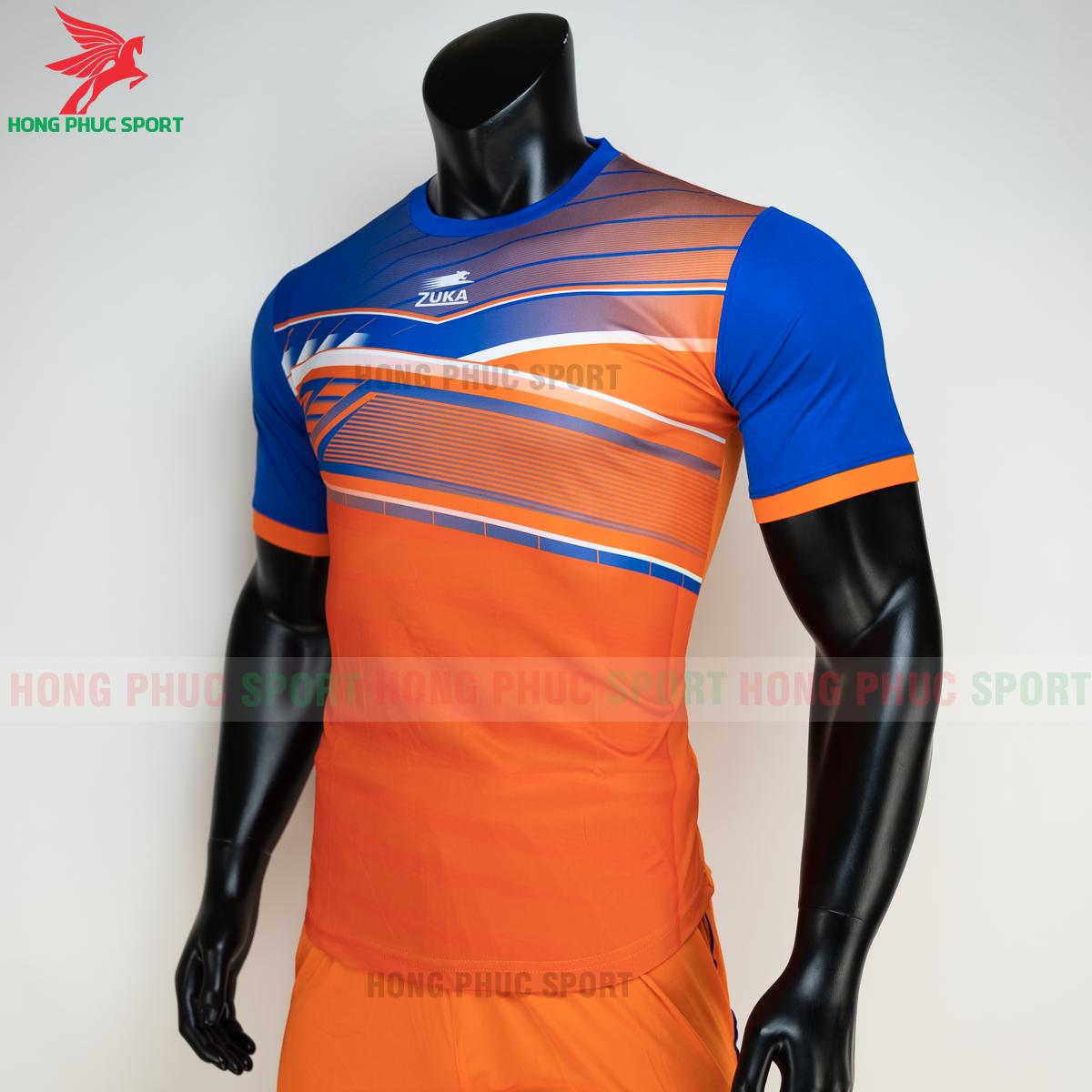 https://cdn.hongphucsport.com/unsafe/s4.shopbay.vn/files/285/ao-bong-da-khong-logo-zuka-01-mau-cam-3-60502bbf6a5ce.png